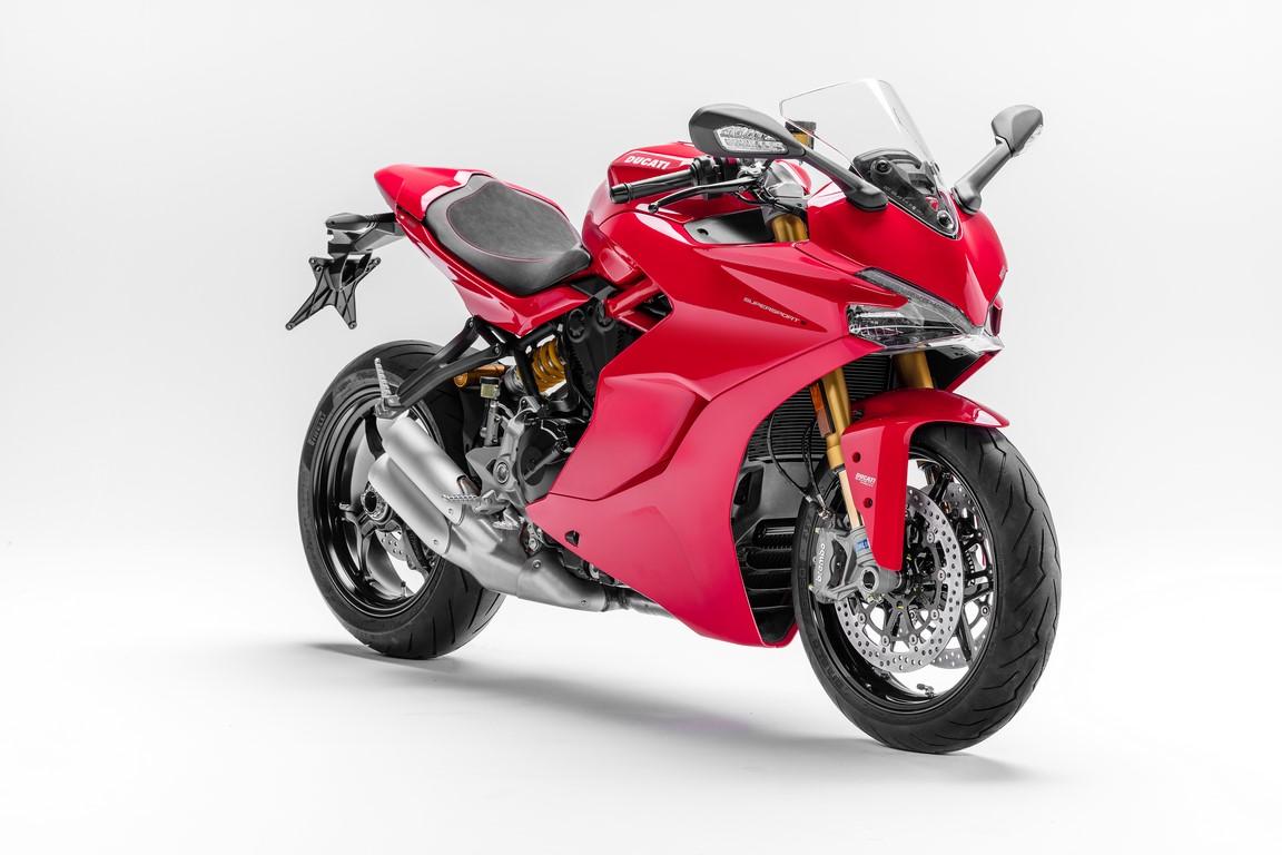 Ducati SuperSport front three quarter