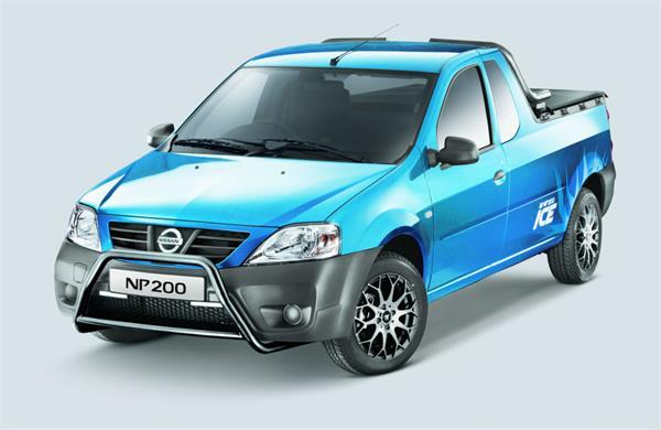 Nissan NP200 ICE front three quarters