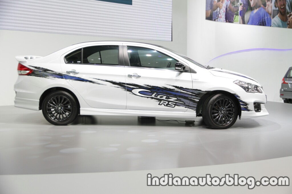 Suzuki Ciaz RS with body graphics side 2016 Thai Motor Expo