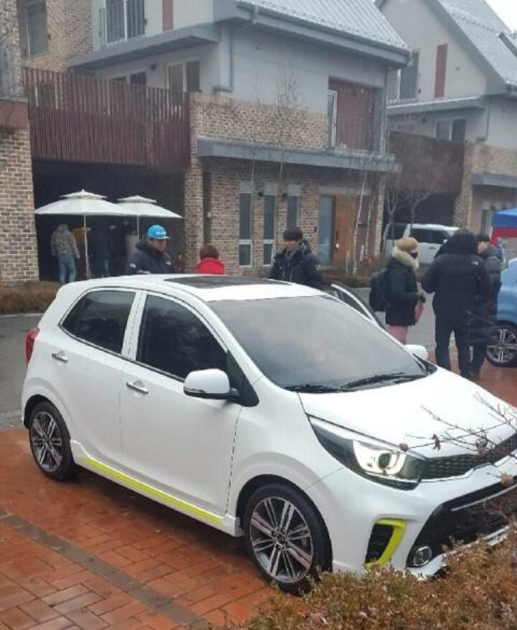 2017 Kia Picanto Front Three Quarters Spy Shot