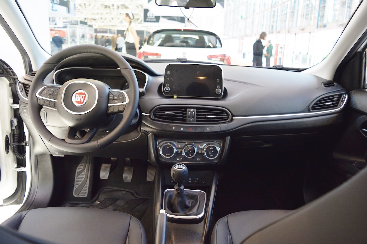 Toyota Station Wagon >> Fiat Tipo Station Wagon interior dashboard at 2016 Bologna ...