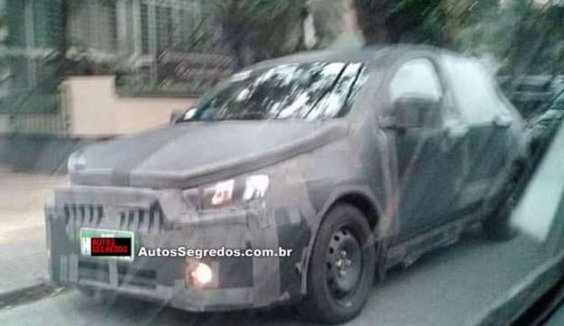Fiat X6H front three quarter spyshot