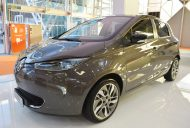 Renault Zoe front three quarters at 2016 Bologna Motor Show