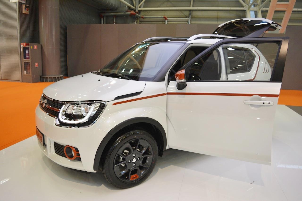 Suzuki Ignis iUNIQUE front three quarters at 2016 Bologna Auto Show