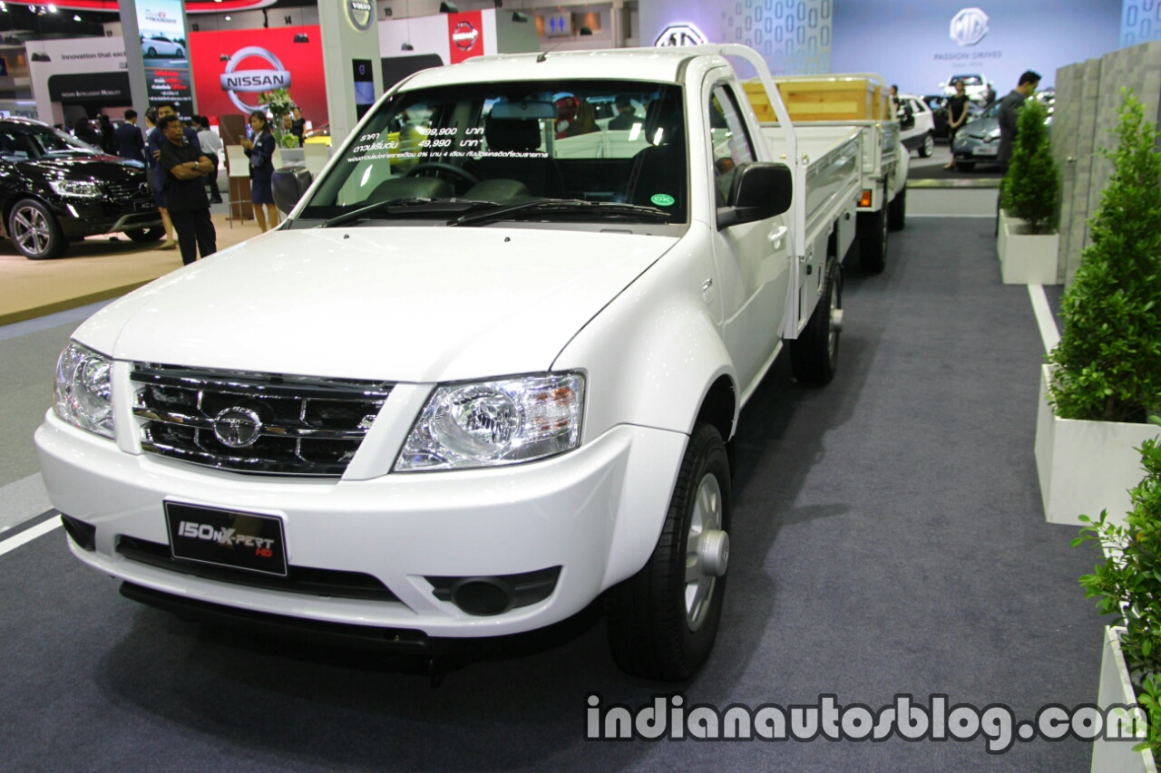 Tata Xenon 150NX-Pert front three quarters left side at 2016 Thai Motor Expo