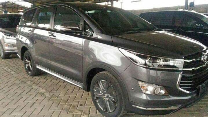 Toyota Innova Venturer Grey Spy Shot