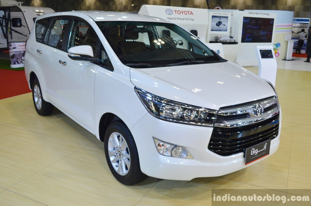 Toyota Innova front three quarters at 2016 Oman Motor Show