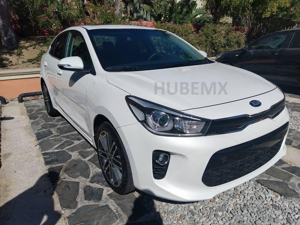 2017 Kia Rio Sedan front three quarters spy shot