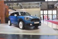 2017 MINI Countryman front three quarters at 2017 Vienna Auto Show
