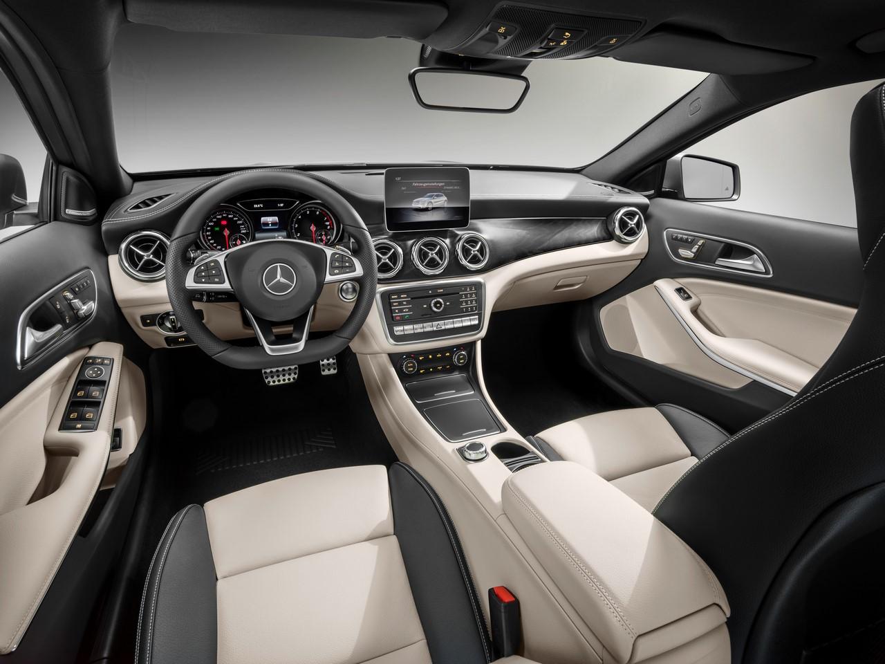 2017 Mercedes GLA 250 4MATIC AMG Line dashboard