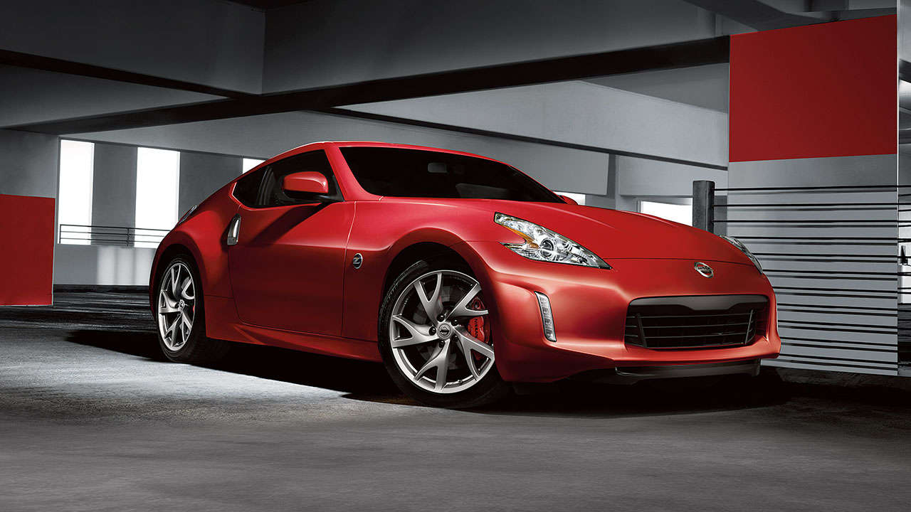2017 Nissan 370Z front three quarters