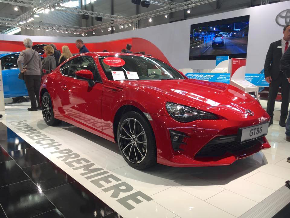 2017 toyota gt86 showcased at vienna auto show. Black Bedroom Furniture Sets. Home Design Ideas