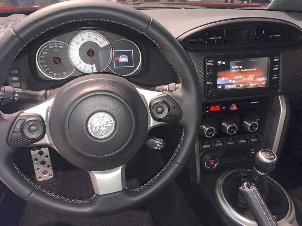 2017 Toyota GT86 interior at the Vienna Auto Show