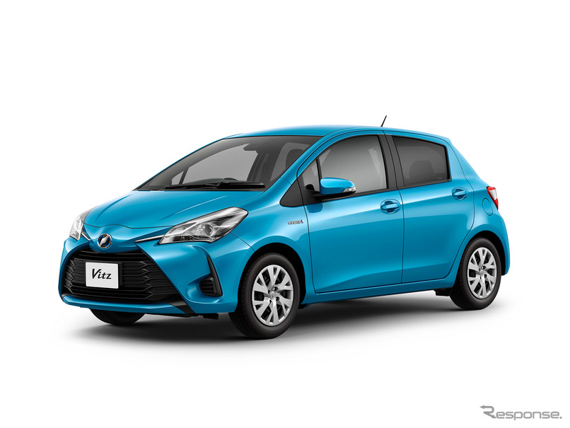 2017 Toyota Vitz (2017 Toyota Yaris) front three quarter