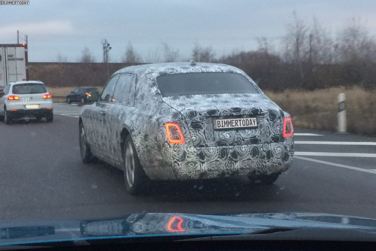 2018 Rolls-Royce Phantom rear three quarters left side spy shot