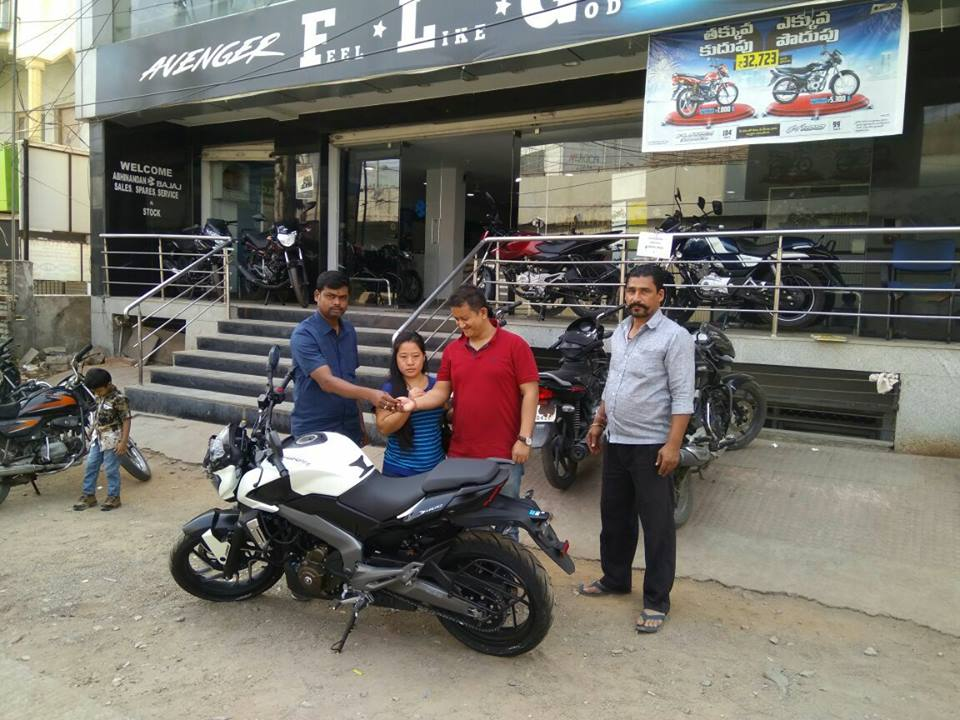 Bajaj Dominar 400 deliveries commences white