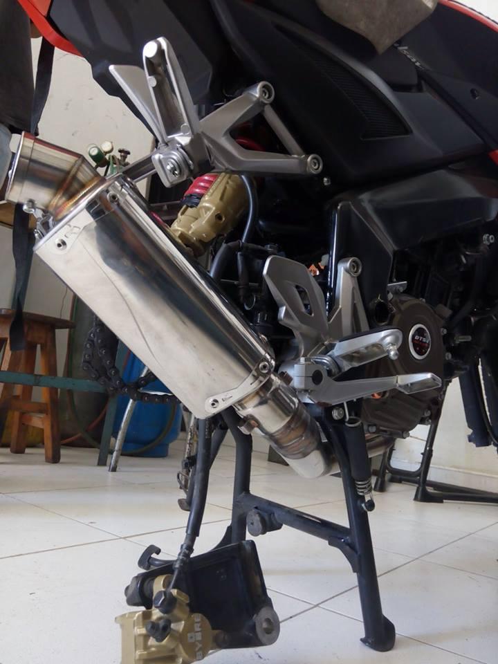 Bajaj Pulsar 200NS modified tyre exhuast