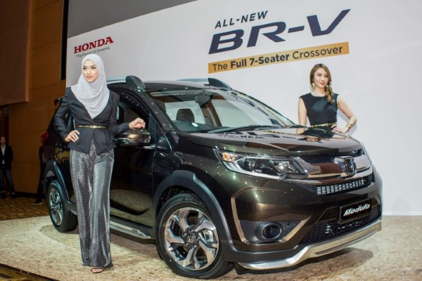 Honda BR-V with Modulo Package front three quarters Malaysia launch