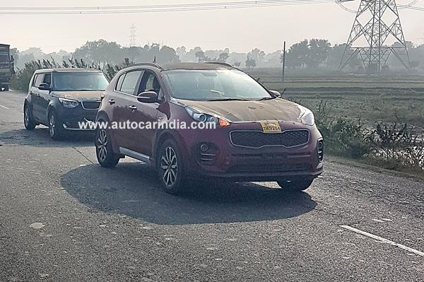 Kia Sportage and Soul spied on Indian road