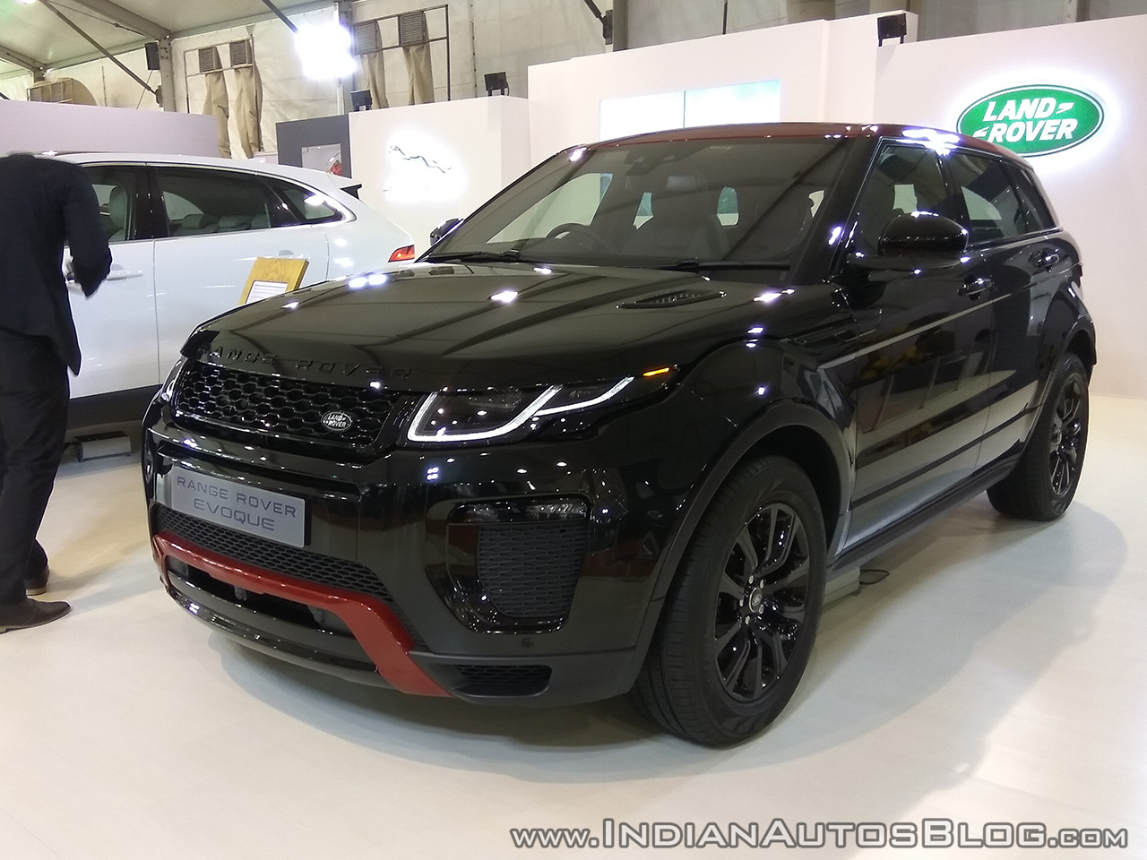 Range Rover Evoque front three quarters at Autocar Performance Show 2017