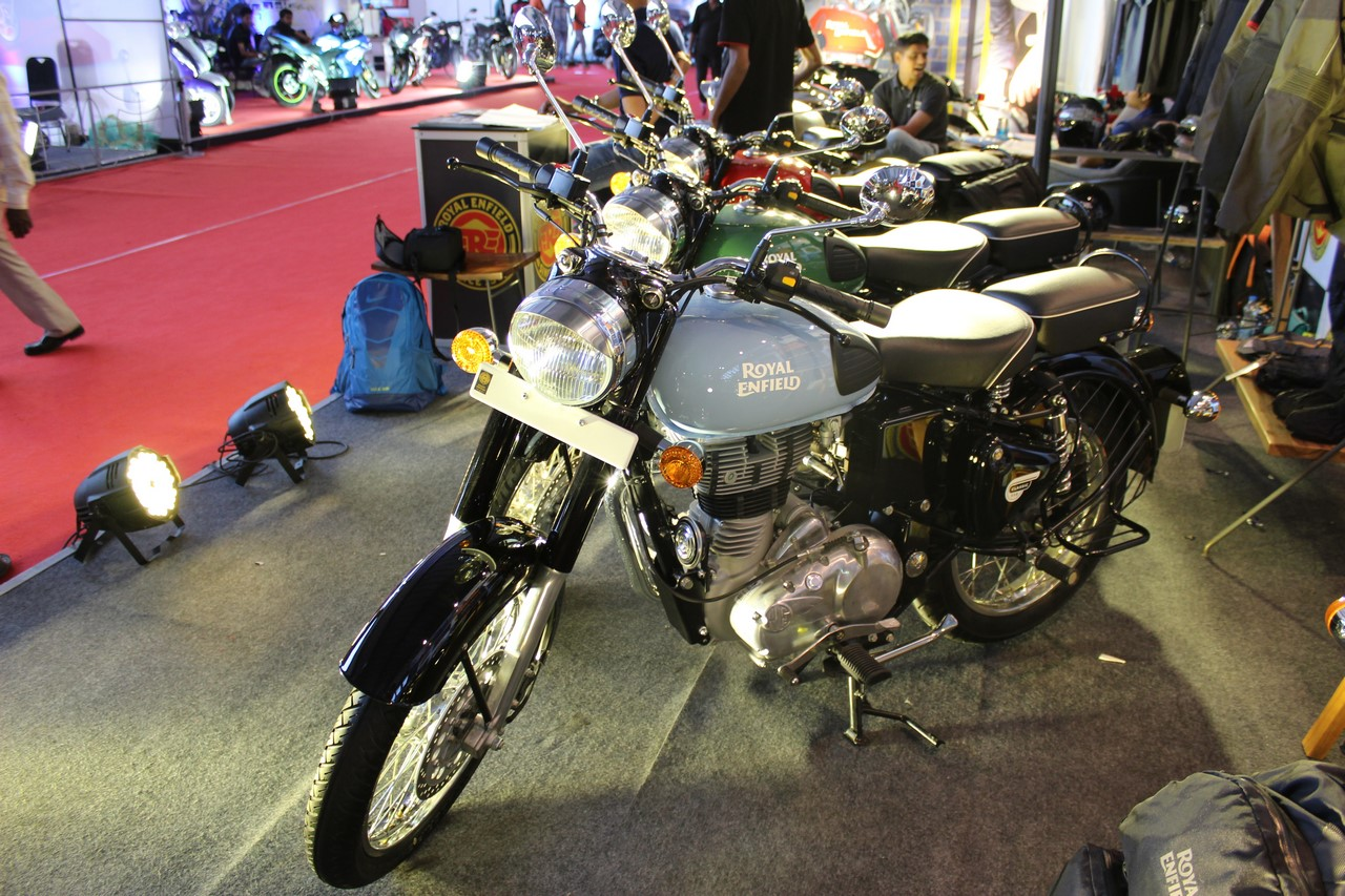 Royal Enfield Classic 350 Redditch series at Surat International Auto Expo 2017