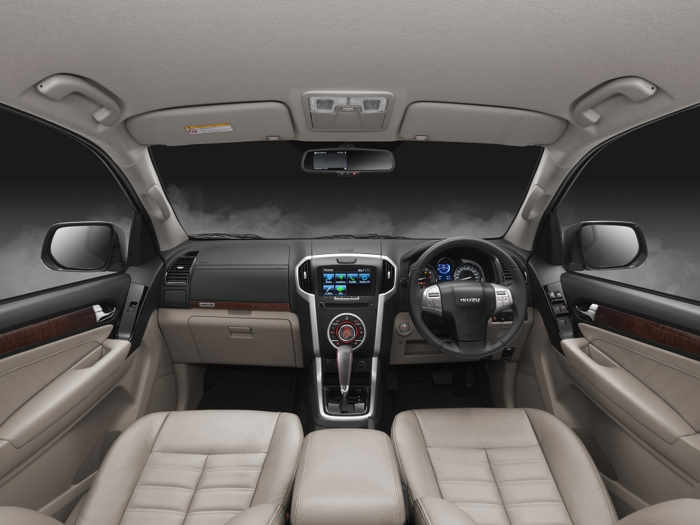 2017 Isuzu MU-X dashboard Thailand press image