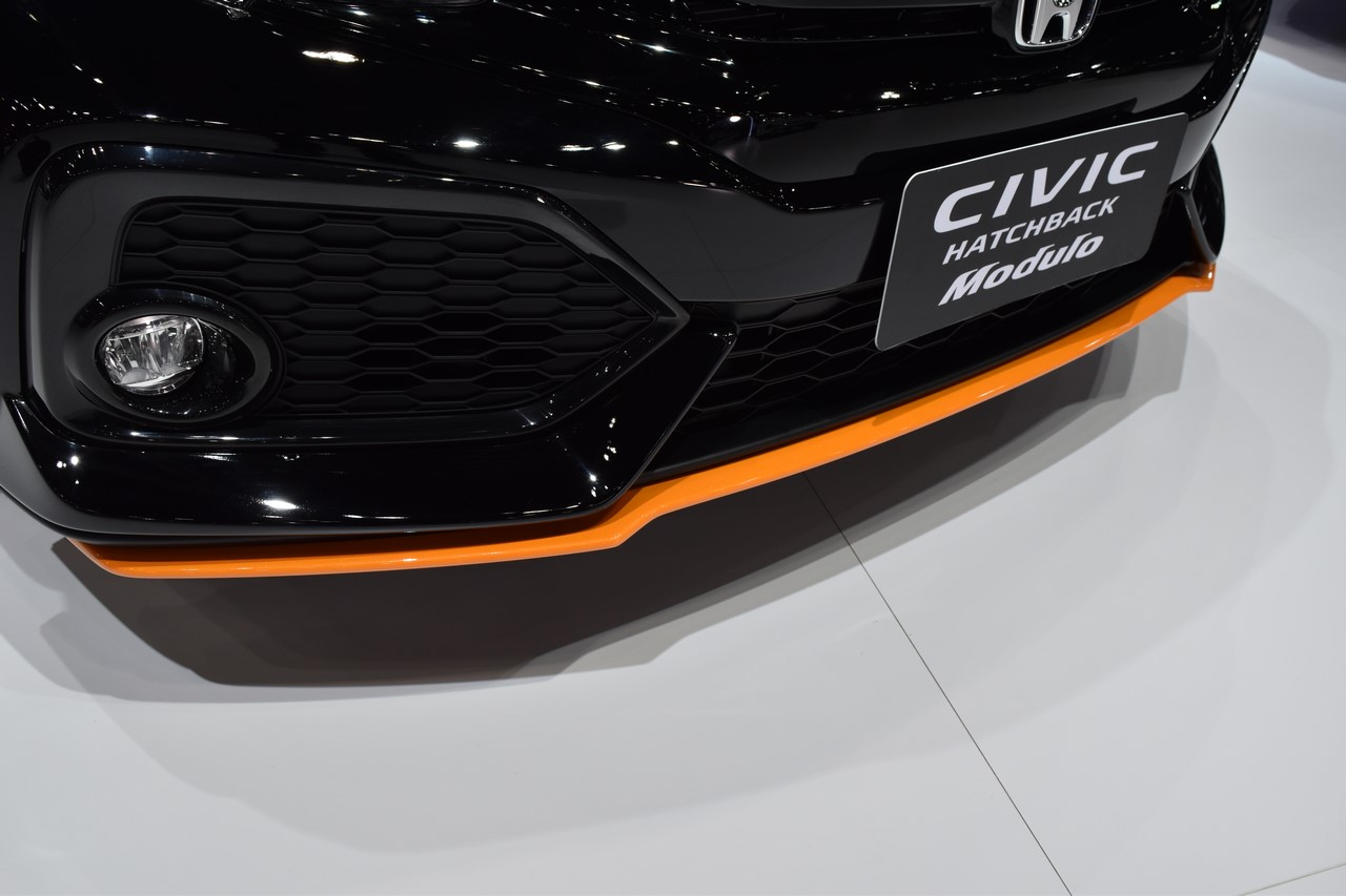 2017 Honda Civic Hatchback bumper at the BIMS 2017