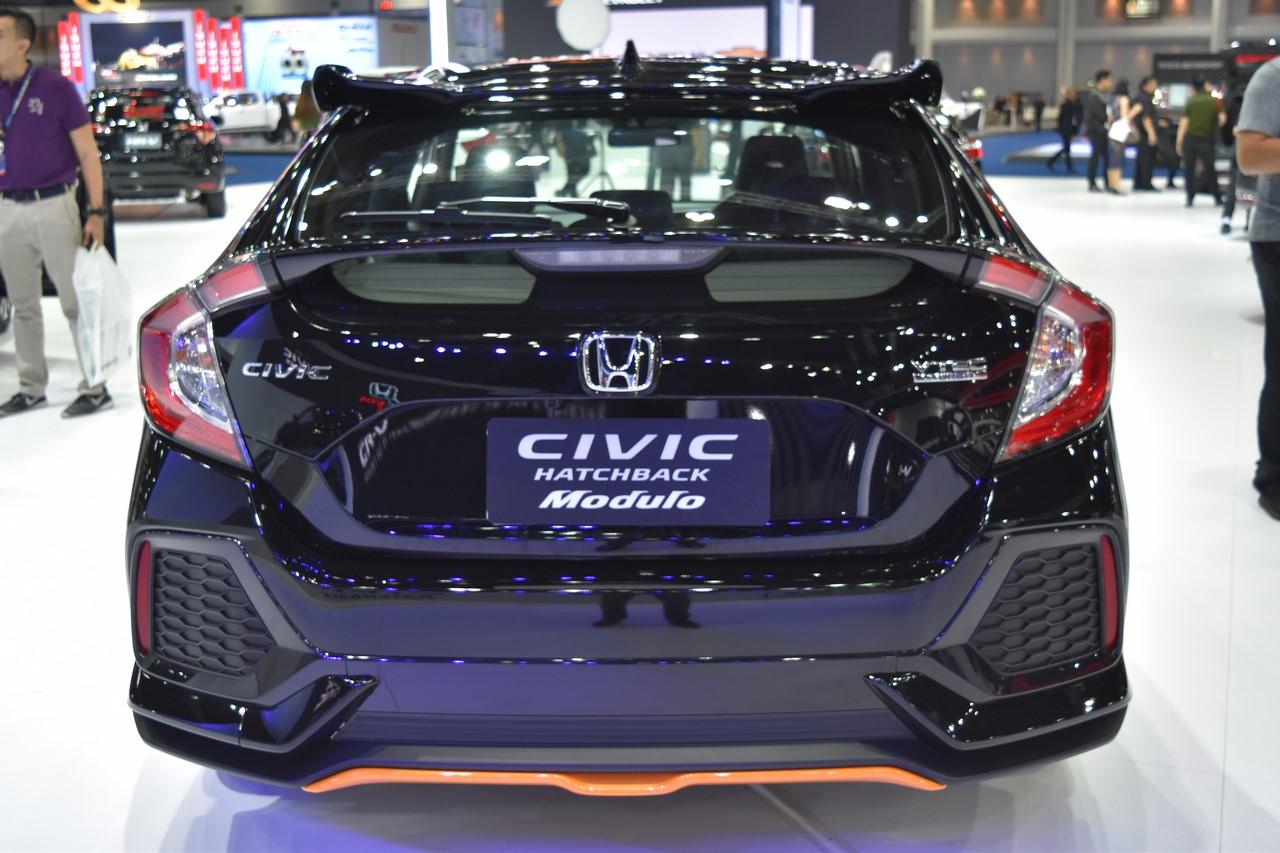 2017 Honda Civic Hatchback rear at the BIMS 2017