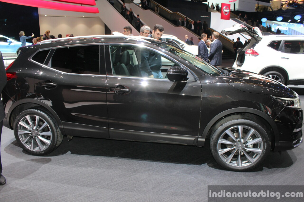 2017 Nissan Qashqai side at the 2017 Geneva Motor Show