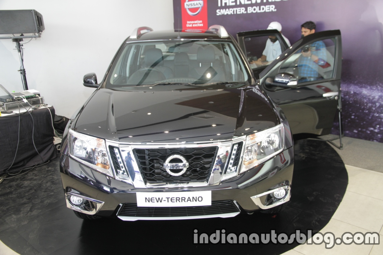 2017 Nissan Terrano (facelift) front launched