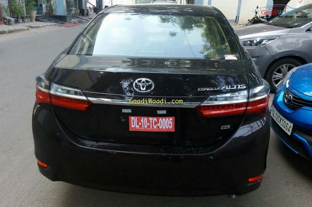 2017 Toyota Corolla Altis (facelift) rear spied ahead of launch