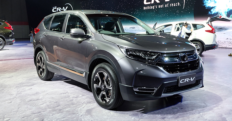 India-bound 2017 Honda CR-V 7-seater front quarter