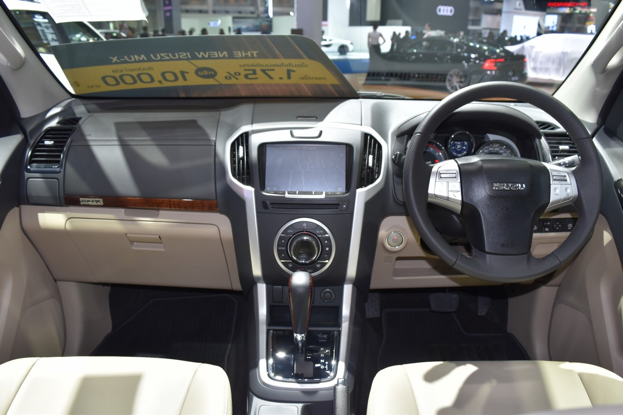 India-bound Isuzu MU-X dashboard at the BIMS 2017
