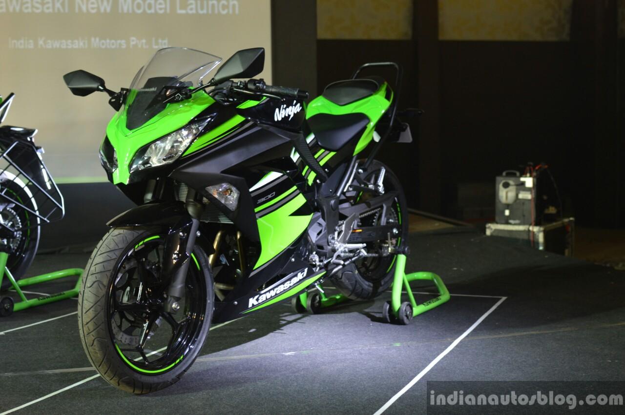 Kawasaki Ninja 300 front three quarter at India launch