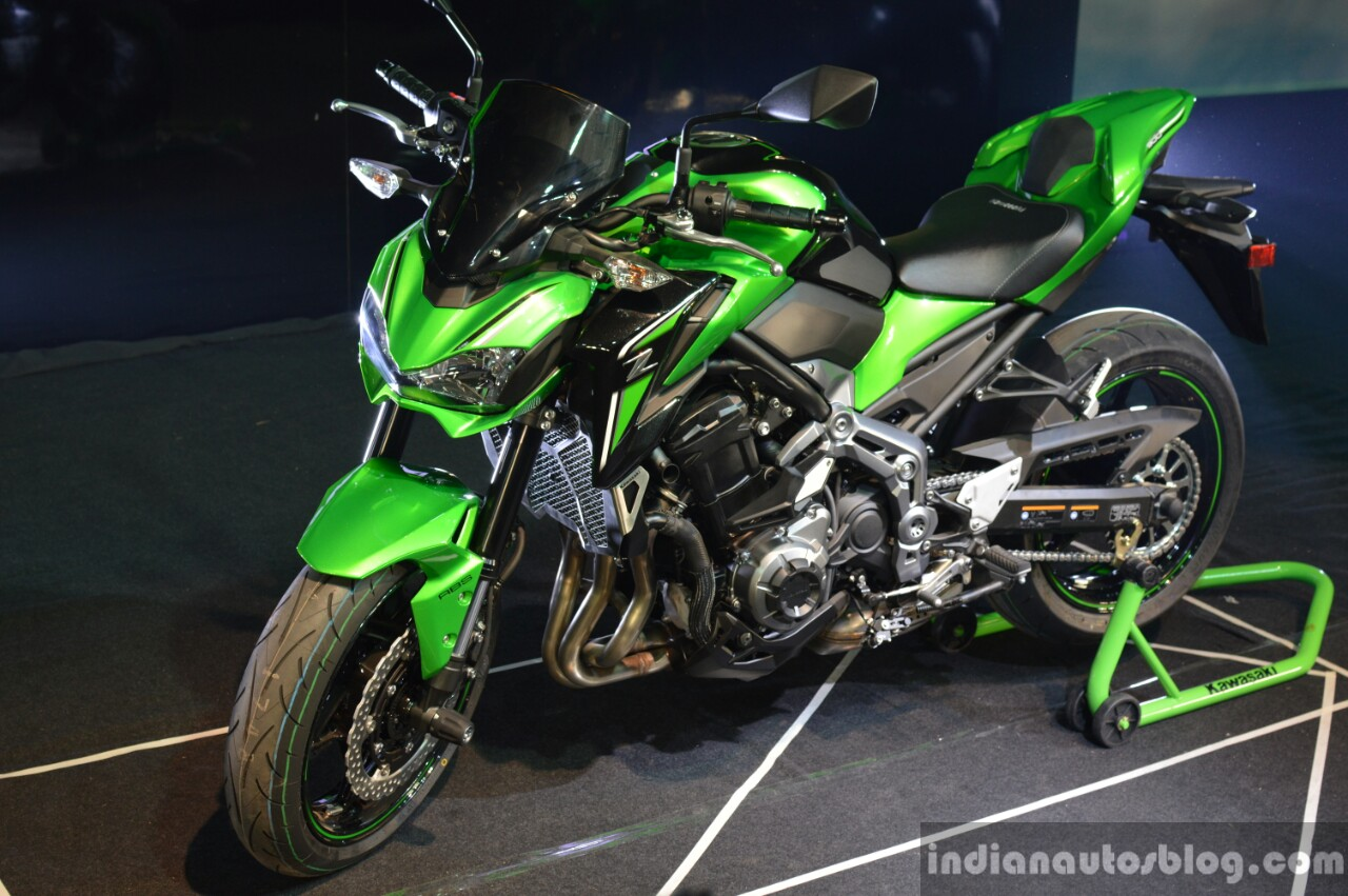 Kawasaki Z900 front three quarter left at India launch