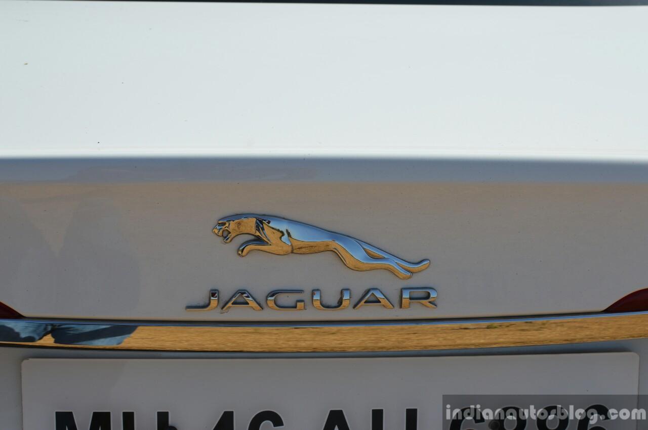 New Jaguar XF 2.0 Diesel Pure logo Review