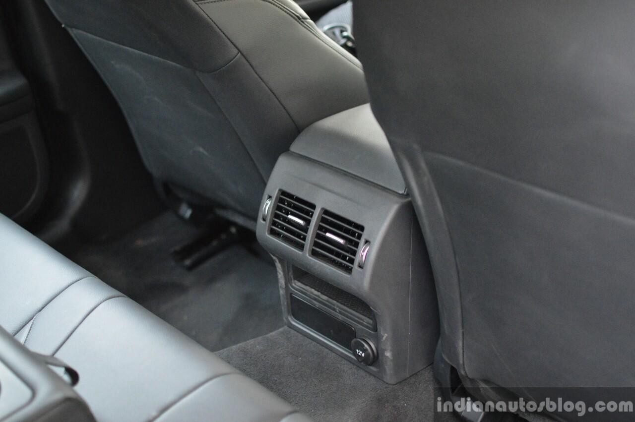 New Jaguar XF 2.0 Diesel Pure rear vent Review