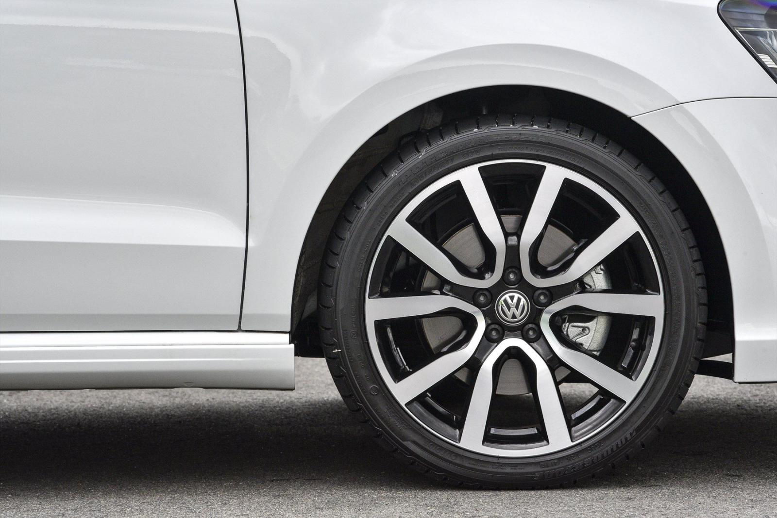 Volkswagen Polo R-Line alloy wheel