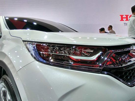2017 Honda CR-V headlamp at Auto Shanghai 2017