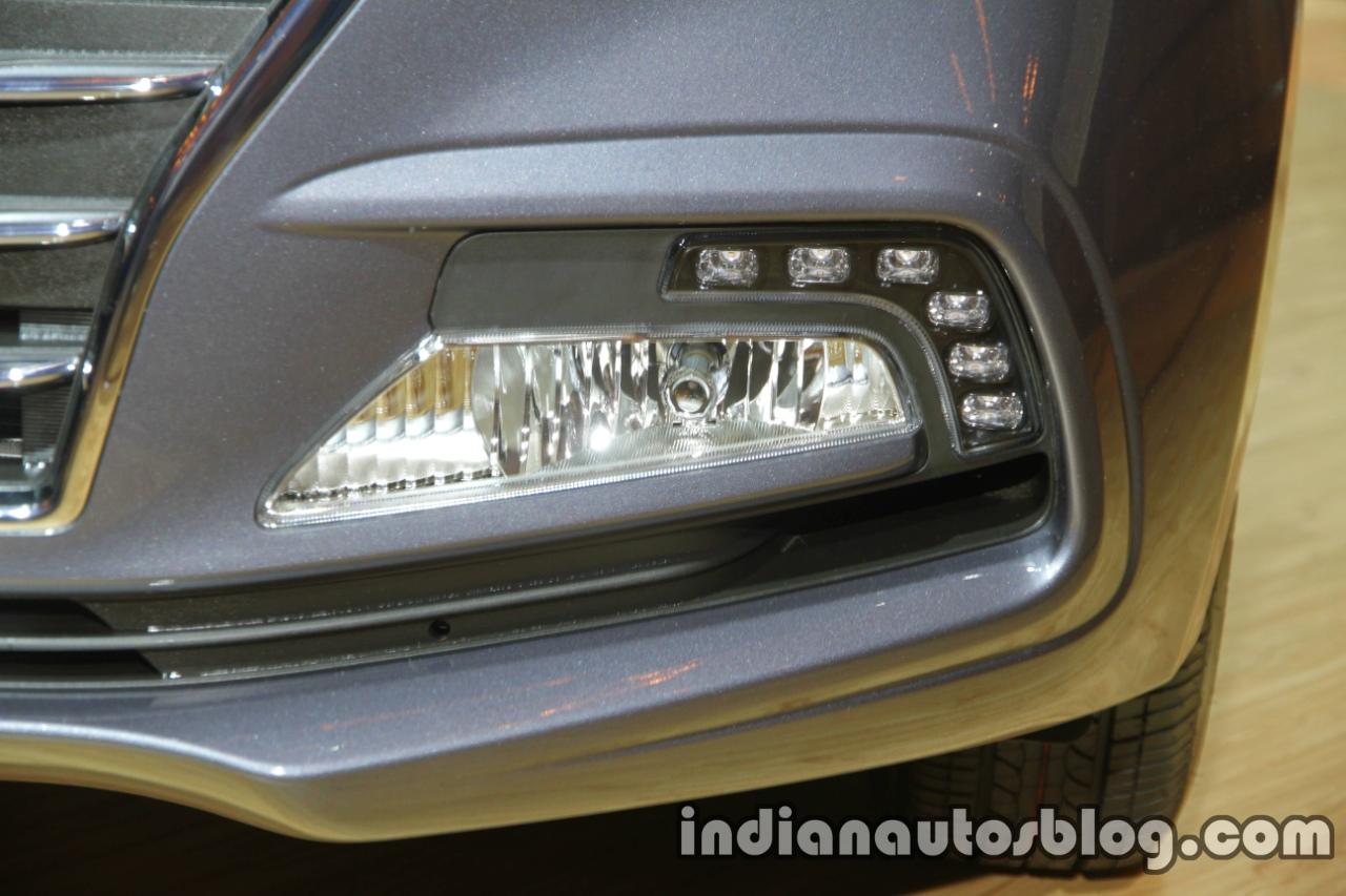 2017 Hyundai Xcent India launch foglamp