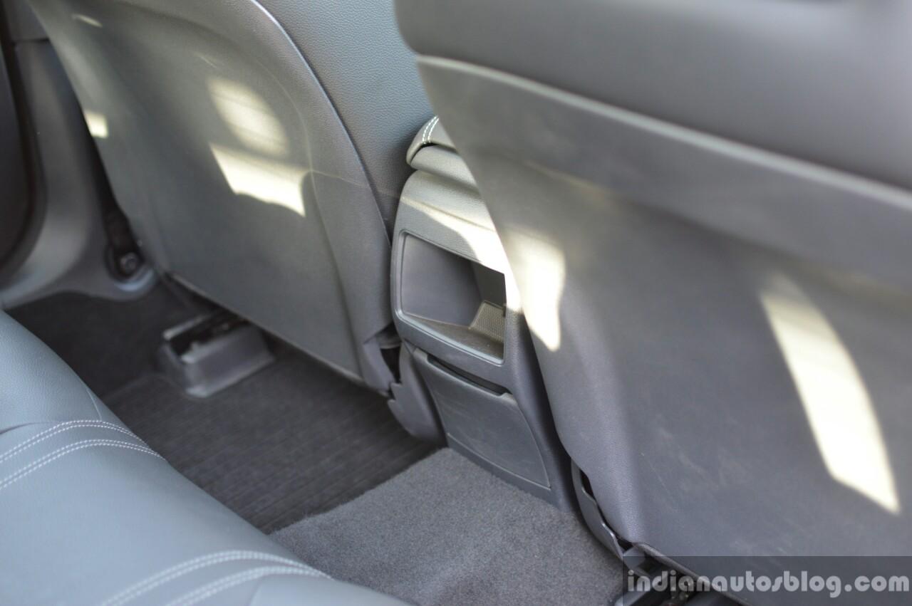 2017 Mercedes CLA (facelift) rear console Review
