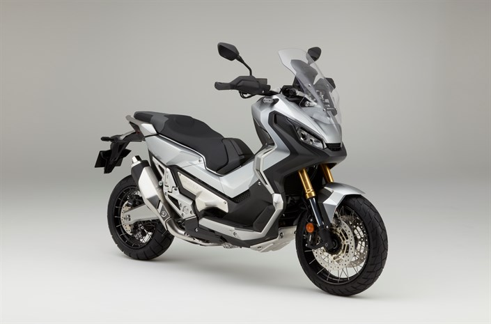 Honda X-ADV Digital Silver front three quarter