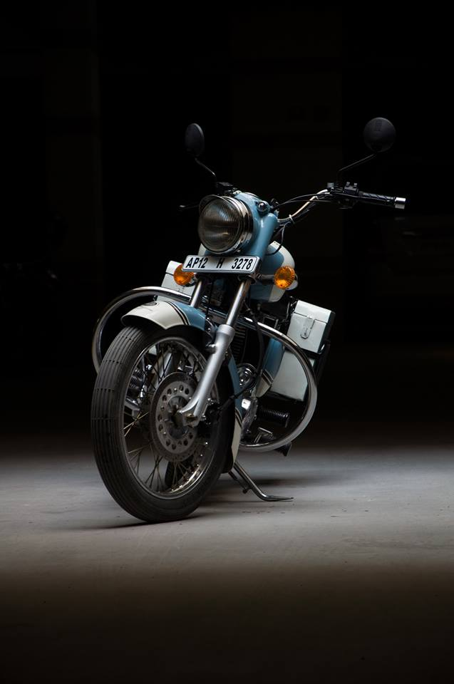 Royal Enfield Bullet 350 Standard Graduate by Eimor Customs front