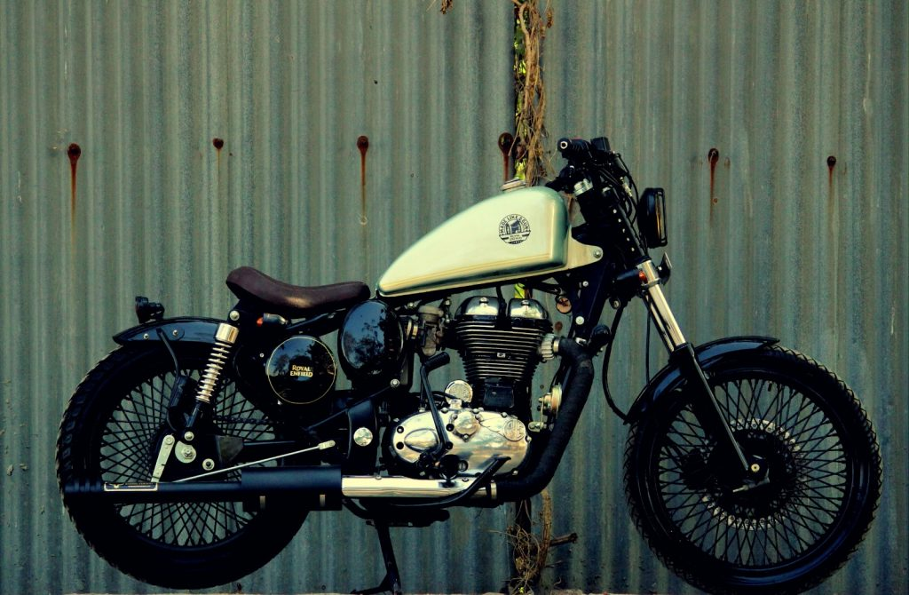 Royal Enfield Classic 350 Bobber by Jedi Customs side view