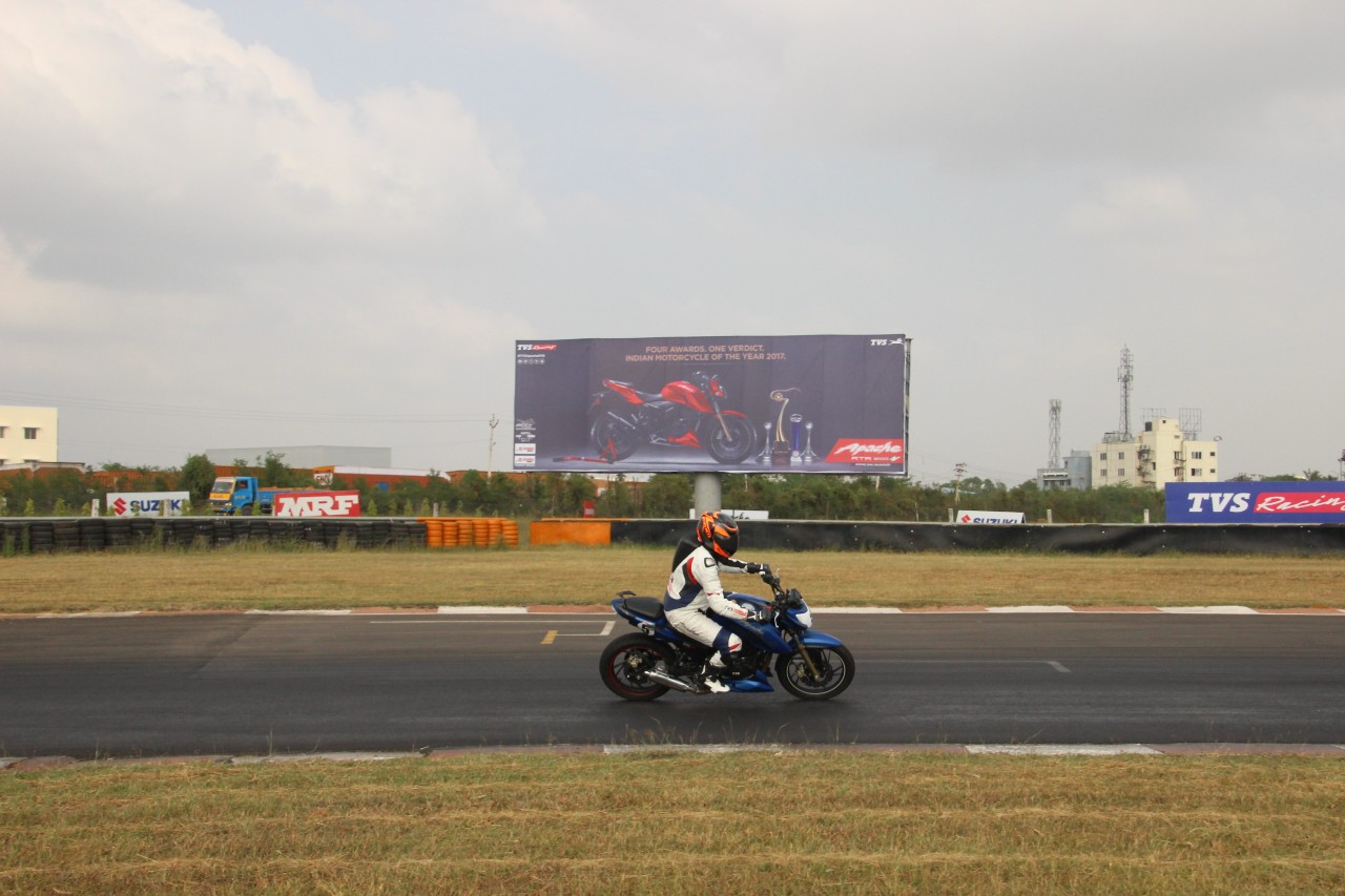TVS Apache RTR 200 track experience at MMRT view with lean