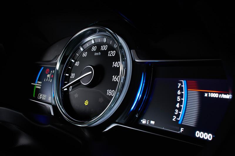 2017 Honda Grace (City) instrument cluster teased in Japan