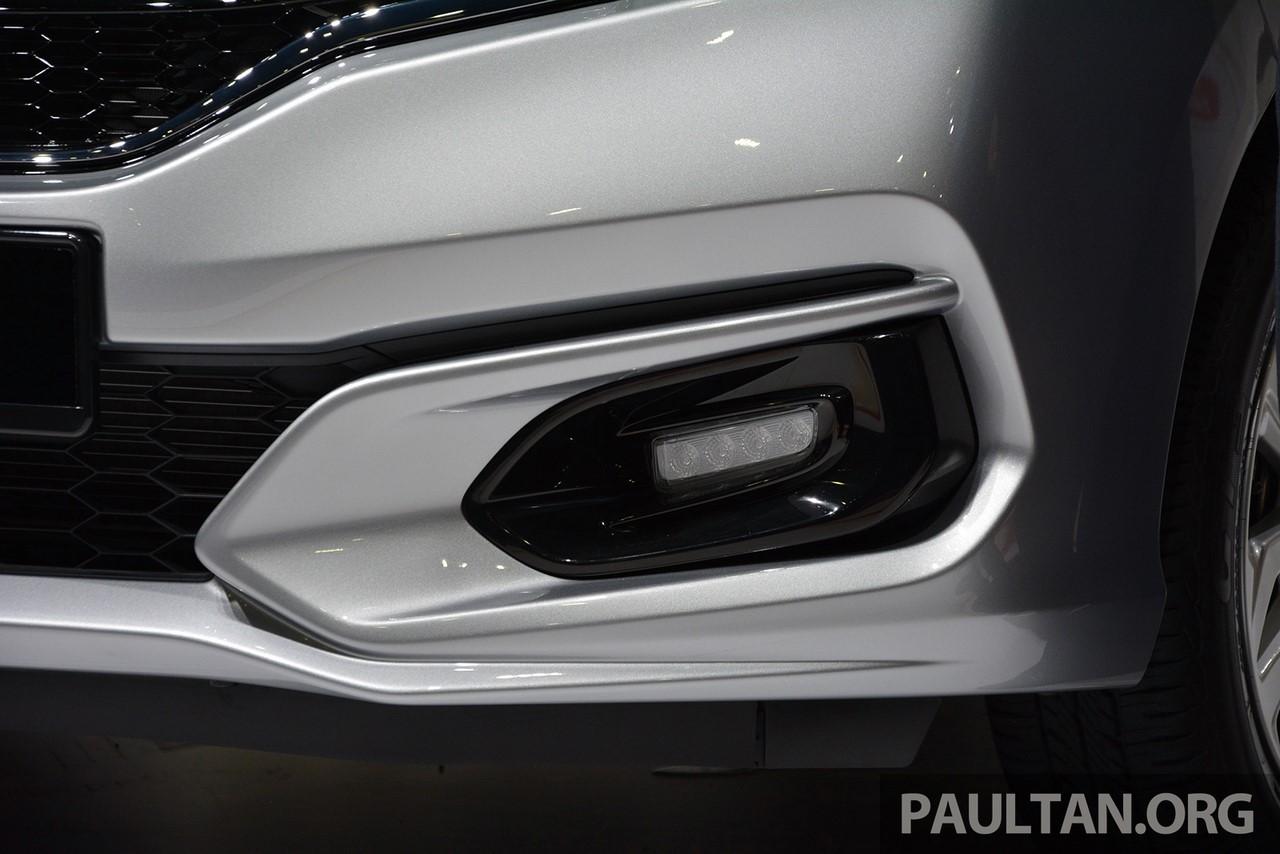 2017 Honda Jazz hybrid LED daytime running light
