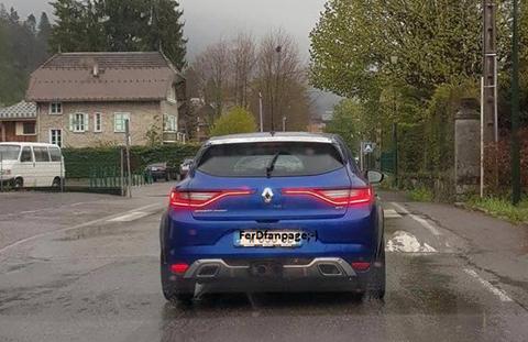 2017 Renault Megane RS rear spy shot
