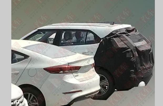 2018 Hyundai ix25 (2018 Hyundai Creta) facelift rear three quarters spy shot