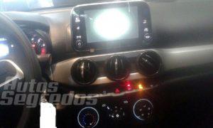 Fiat Argo dashboard Android Auto system interior